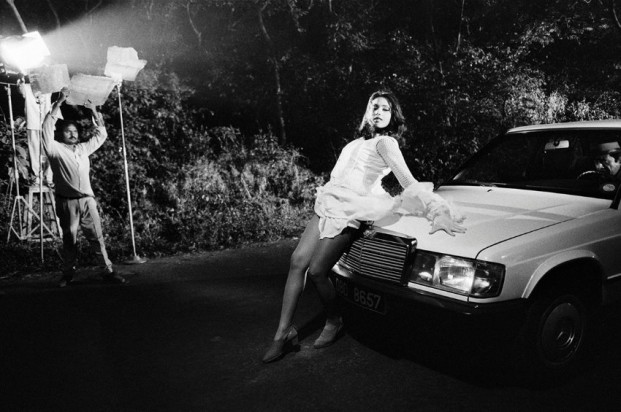 Dayanita Singh © reflektiert im Deutschen Pavillon mit projizierten Fotos und Filmen ihr Leben als Frau in der indischen Gesellschaft.